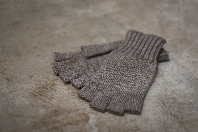 BROWN by 2-tacs -Open Finger Knit Glove-