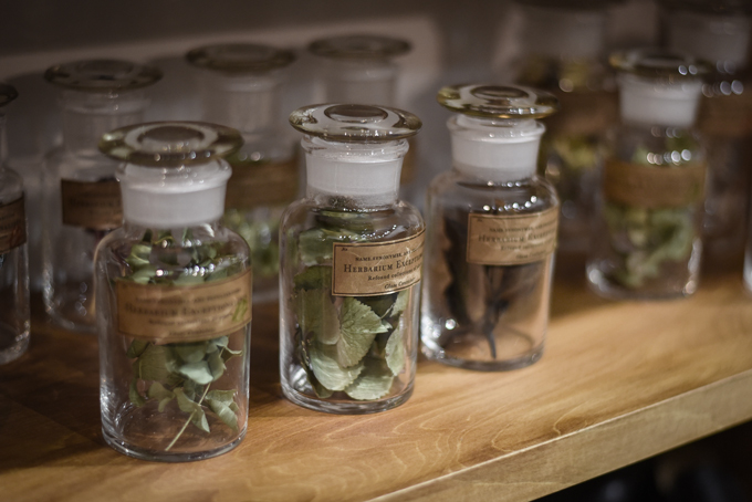 GLASS CONTAINER -Botanical-